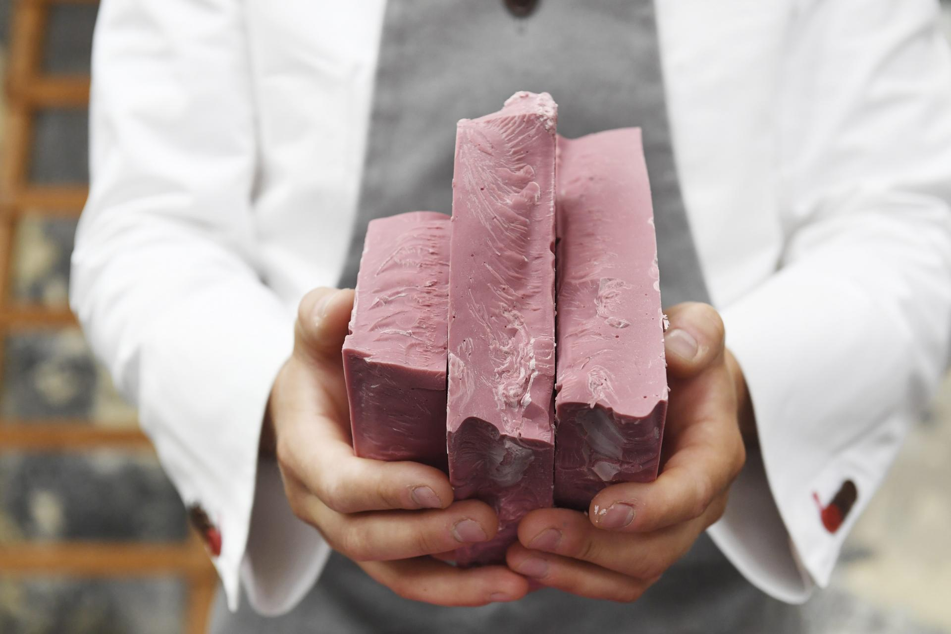 Barry Callebaut reveals the fourth type in chocolate: Ruby