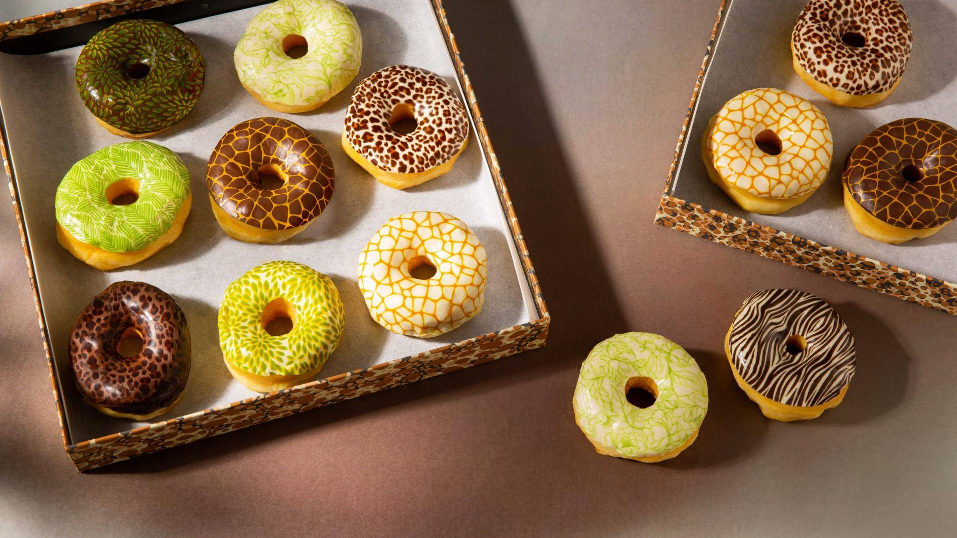 Donuts with printed glazings