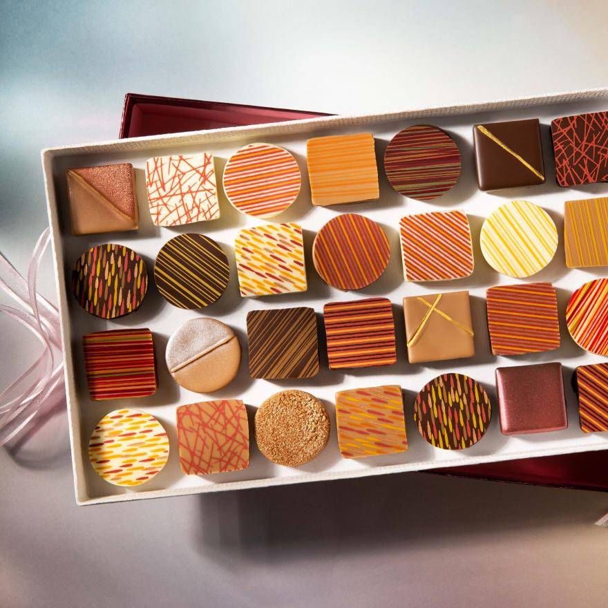 Pralines with various prints