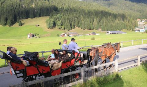 Chairman's Award 2018 horse tour in Davos