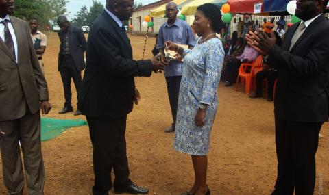 madame_legre_director_of_akoupe_college_receives_the_keys_to_the_new_classrooms