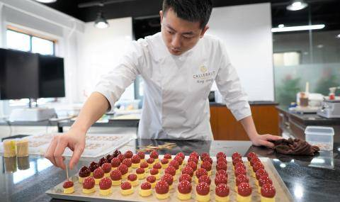 Chef working at Barry Callebaut Chocolate Academy Beijing