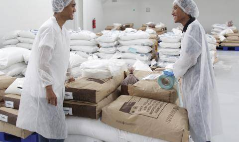 Barry Callebaut Gresik, Workers with raw materials for chocolate production
