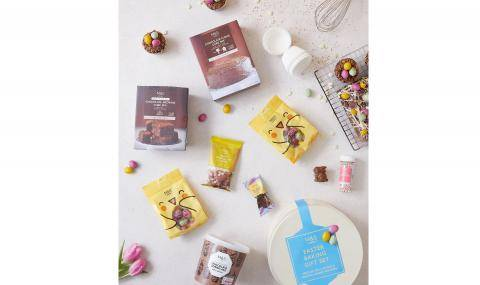 M&S Easter baking kit (UK) - for speckled egg cupcakes and eggstra loaded brownies