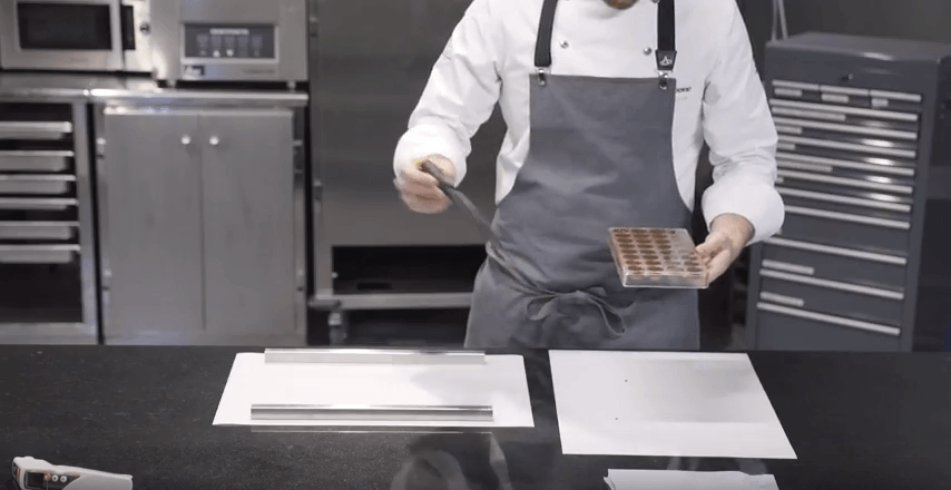 How to make moulded chocolates?