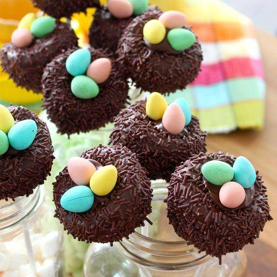 Bird's nest cake pops - Easter on a stick