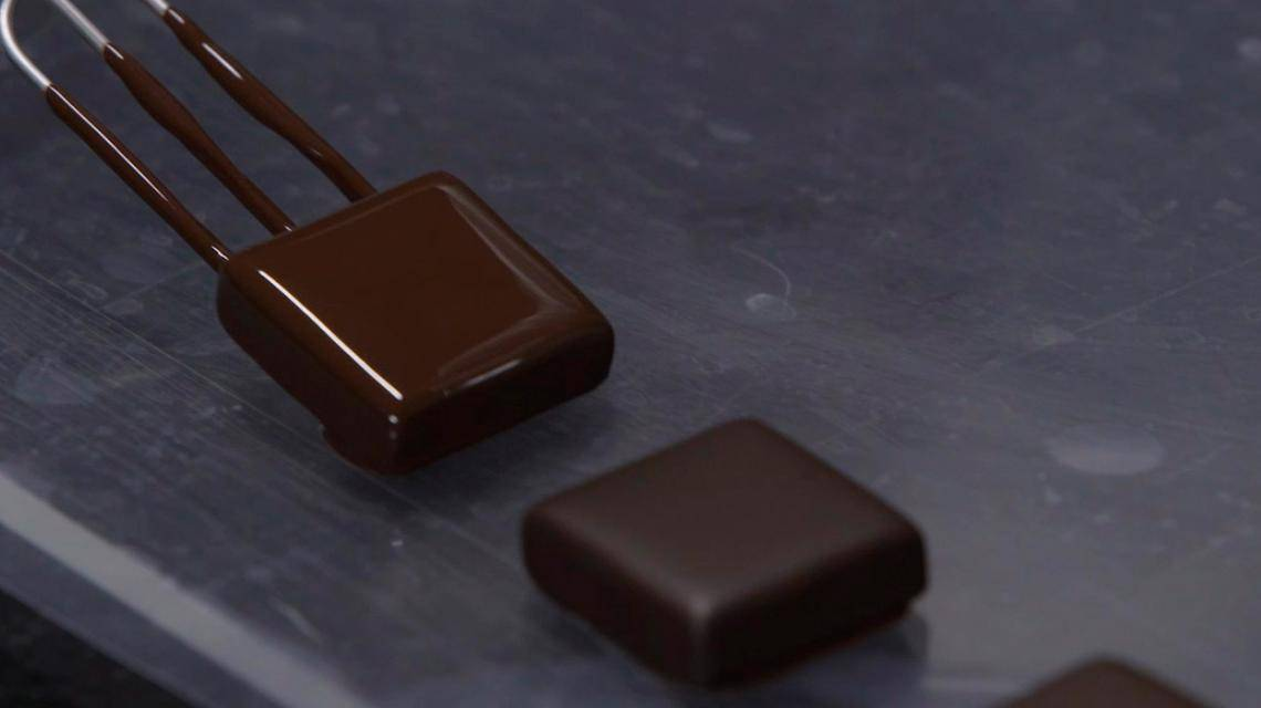 How to dip in chocolate?