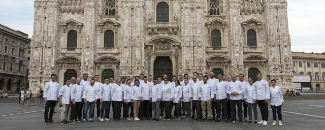 Chefs at the pastry seminar in Milan in front of the Duomo